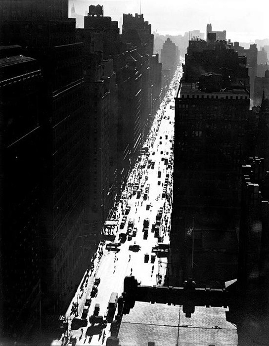seventh-avenue-looking-south-from-35th-street-dec-5-1935